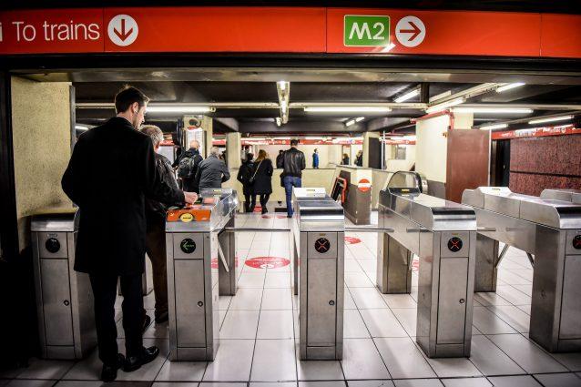 Sovraffollamento metropolitana Milano