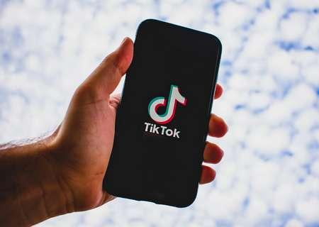 L'account TikTok automaticamente privato per gli under 16: motivi e limitazioni