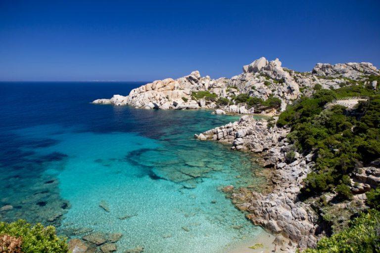 """Sardegna: risveglio in """"zona arancione """" e 5 comuni in zona rossa"""