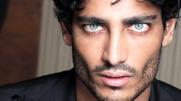 Domenica Live, Akash Kumar: ecco la verità sul colore dei suoi occhi