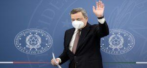 """Draghi: """"Green Pass verrà esteso e si arriverà all'obbligo vaccinale"""""""